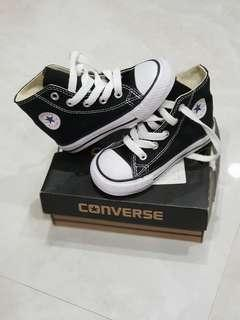 Converse shoes preloved