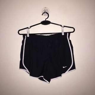 🚚 nike dry tempo running shorts black