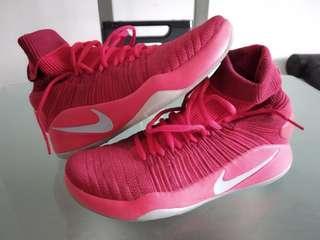 Urgent Sale! Nike Hyperdunk Flyknit 10.5 US