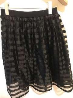 清櫃🈹Cover 名牌黑色 半腰裙 skirt made in korea