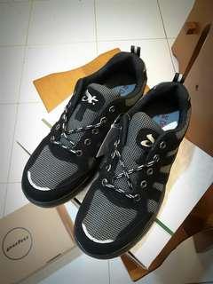 🚚 Dragon top台灣製造 橡膠底工作鞋26.5