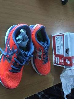 New Balance sports shoes US 6.5 UK 4.5 EU37