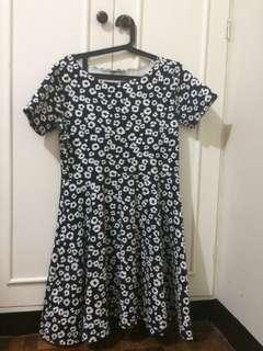 Floral patterned black dress