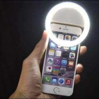 Rechargeable clip on selfie light