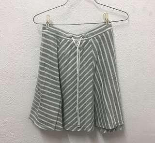Uniqlo stripe skirt in grey