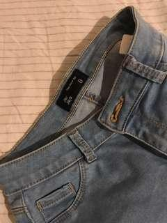 Jayjays the show off jeans