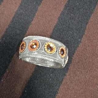 Women's bangle
