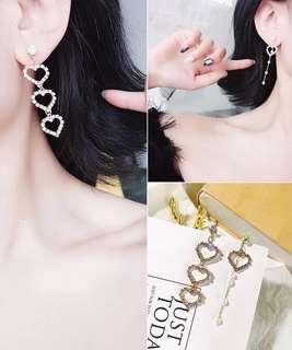 (Free pos 3 pairs & above) Korean design love heart shape earrings