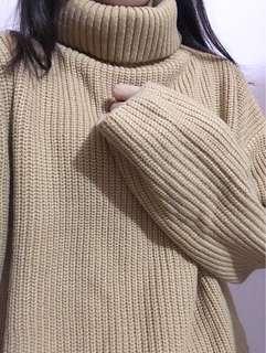 🚚 秋冬必備!駝色高領套頭毛衣