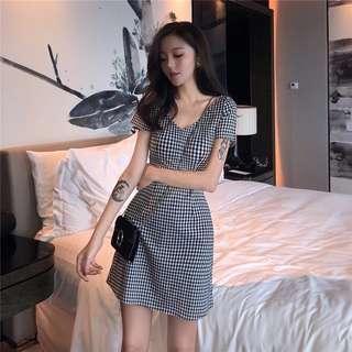 •PO• V Neck black checkered slim cut dress
