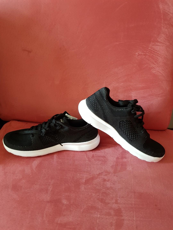 d2582a18e Home · Women s Fashion · Shoes · Sneakers. photo photo photo photo
