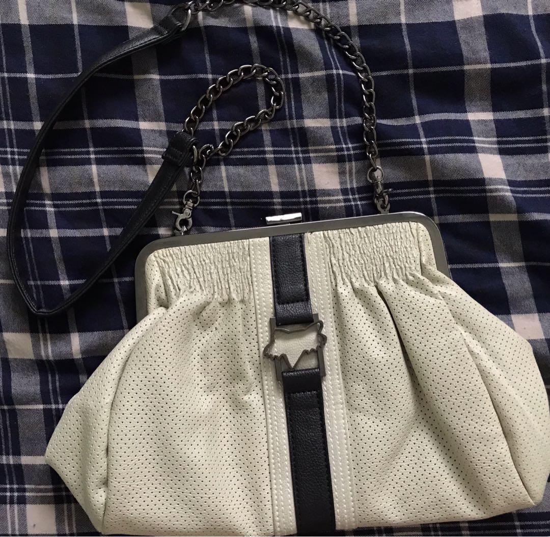 f60aea476417 Fox racing ladies'bag, Women's Fashion, Bags & Wallets, Handbags on  Carousell