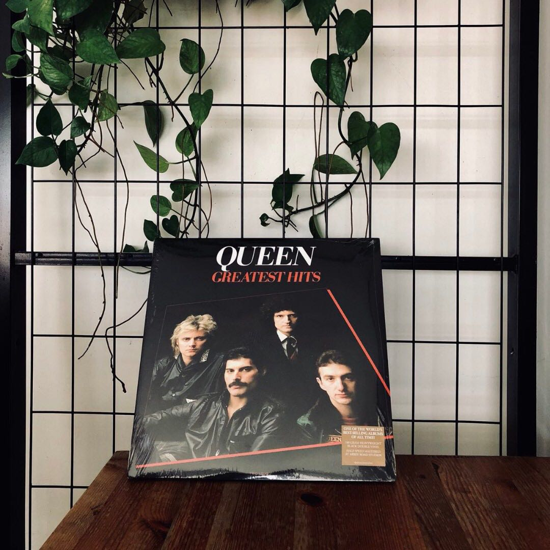 f006bd5f1 Queen - Greatest Hits I [VINYL LP], Music & Media, CDs, DVDs & Other ...