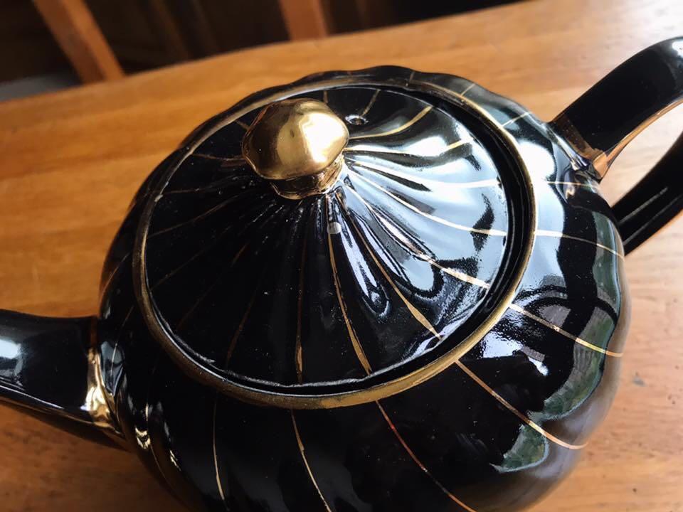 英國製Sadler 曜黑金立體螺紋描金骨瓷茶壺
