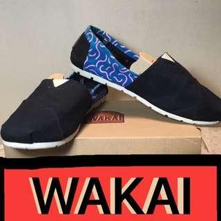 Wakai Navy Curl