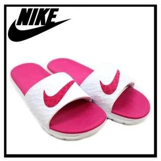 Nike Women's Benassi Solarsoft Slides