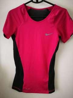 Nike Women's sports top size s 女裝運動衫細碼