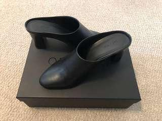 Oak + Fort mule heels black size 6