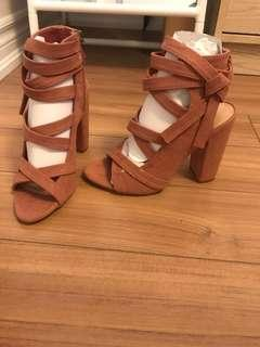 Just Fab Shoes Size 6