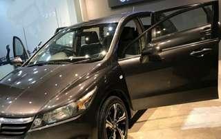 Honda Stream 1.8 show room condition