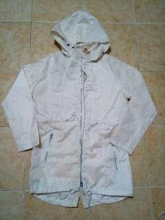 Cream Raincoat Heavyduty (PRELOVED)