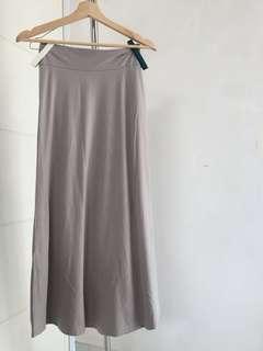 rok panjang abu / long skirt