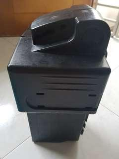 Selling SUV 8 battery casing without battery