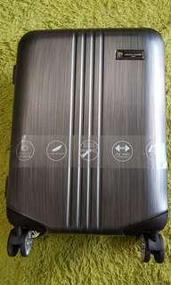 "Pierre Cardin Luggage 20"" hard case with 5 years warranty!"