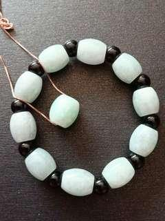 Emerald Jade pendant and bracelet set翡翠路路通吊坠和手链