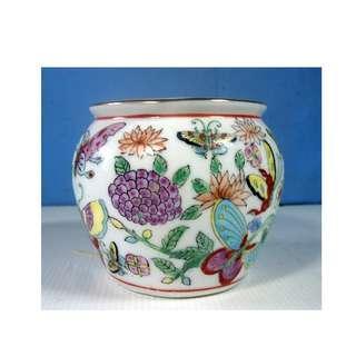 Vintage Chinese Canton export porcelain famille rose vase jar circa 1950s