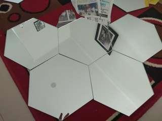Kaca cermin hexagonal ( bukan stiker)