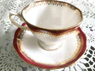 Royal Albert teacup and saucer - Holyrood
