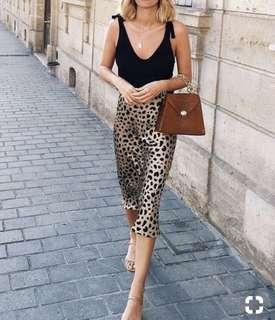 Leopard print high waisted faux silk skirt