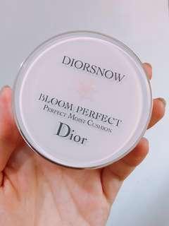 🚚 極新❄️ Dior雪晶靈光感氣墊粉餅 020