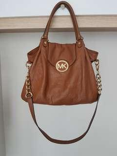 💡PRICE DROP Authentic Michael Kors Handbag/Sling bag