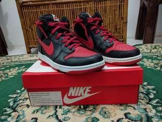 """Nike Dunk CMFT """"Bred"""""""