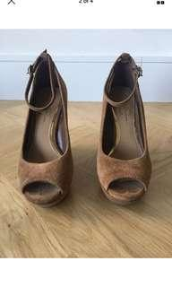 Size 38 / 8B - Jessica Simpson Suede Wedges