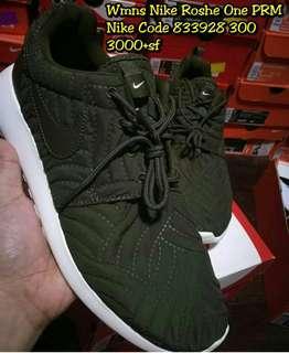 Nike Wmns Roshe One PRM