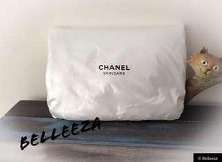 Authentic Chanel VIP Gift Pearl White Bi Fold Cosmetic Clutch