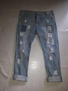 Tattered jeans(free shipping Manila only)