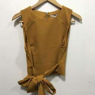 Forever 21 Sleeveless with ribbon