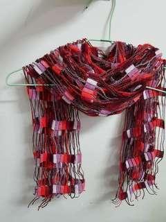 🚚 紅色漸層色系.方格鏤空洞洞.圍巾