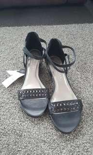Sz 10 Weave Ankle Strap Wedge