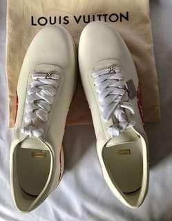 Louis vuitton X Supreme size 10.5 brand new (unused)
