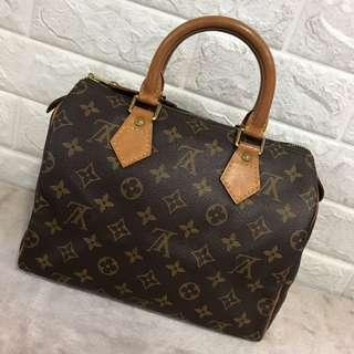 Louis Vuitton Speedy 25 fast sale item