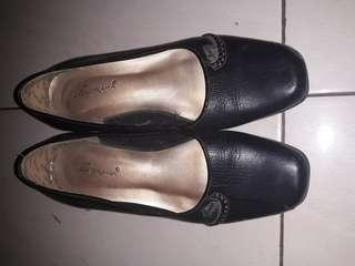 Sepatu pantopel murah