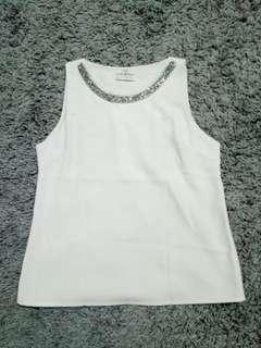 White Sleeveless Top #SINGLE11