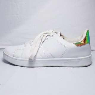 MISSGUIDED - Size 38 - Holographic Detail White Sneaker Shoes