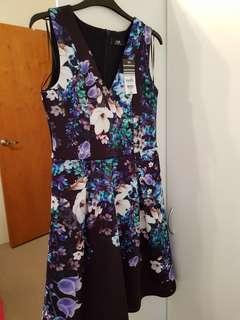 Brand new Wallis Fit and Flare floral Dress Size 8