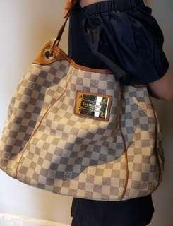 b91f385d99 Louis Vuitton Galliera Bag